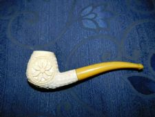 COLLECTABLE WHITE MEERSCHAUM PIPE WITH FAUX YELLOW AMBER STALK DAISY BOWL DESIGN